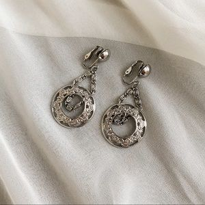 VTG Silver Parisian Circle Chain Dangle Earrings